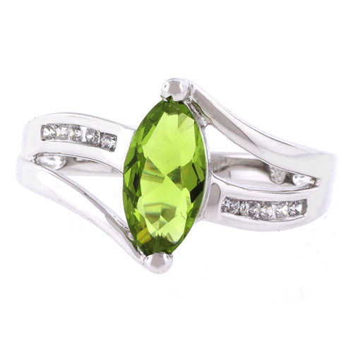 Peridot ring cut in marquise on solid silver
