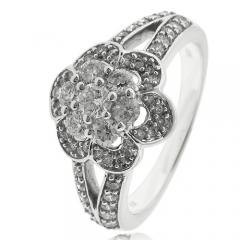18K White Gold 1 carat Diamonds Ring