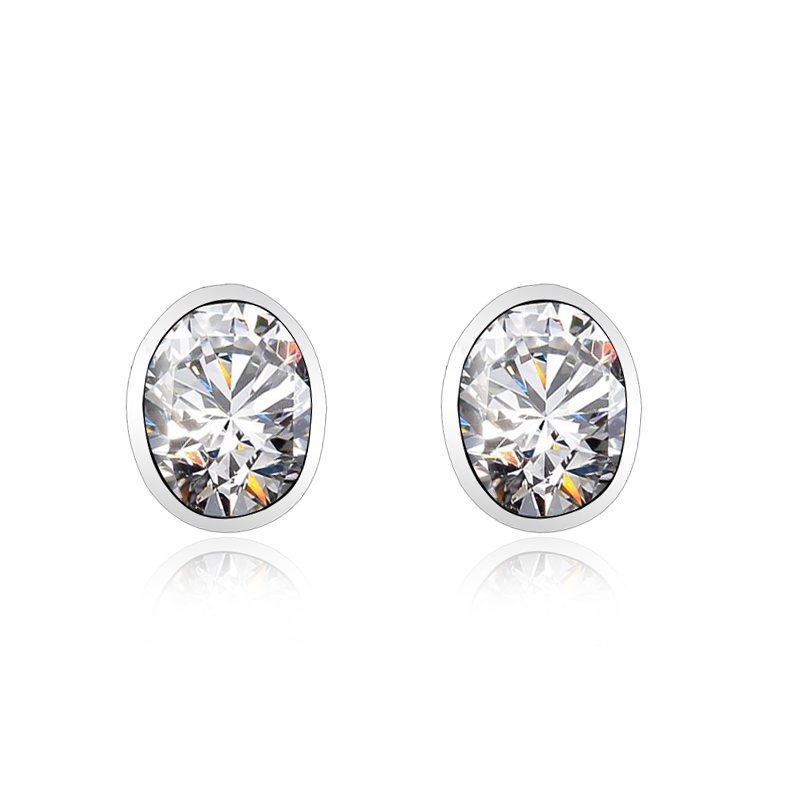 Amazing White Swarovski Crystal Earrings