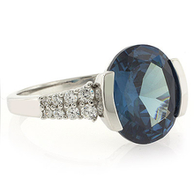 Blue to Green Color Change Oval Cut Stone Ring