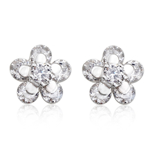 Beautiful White Flower Swarovski Crystal Earrings