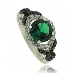 Amazing Sterling Silver Ring WIth Round Cut Emerald