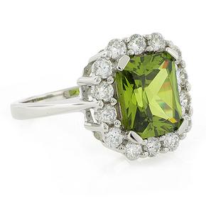 Beautiful Peridot Silver Ring