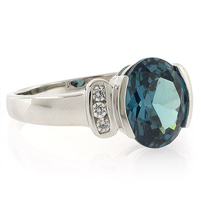 Color Changing Oval Cut Stone Ring
