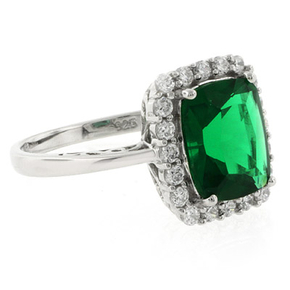 Gorgeous Green Emerald Silver Ring