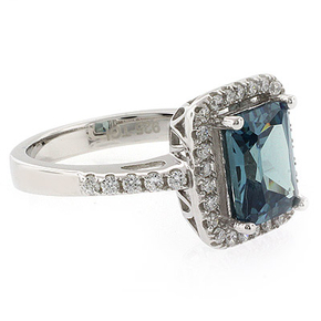Emerald Cut High Quality Color Changing Stone Ring