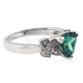 Color Changing Trillion Cut Alexandrite Ring Blue Green