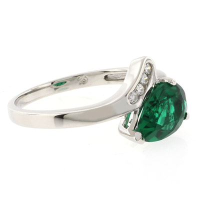 Sterling Silver Solitaire Emerald Ring